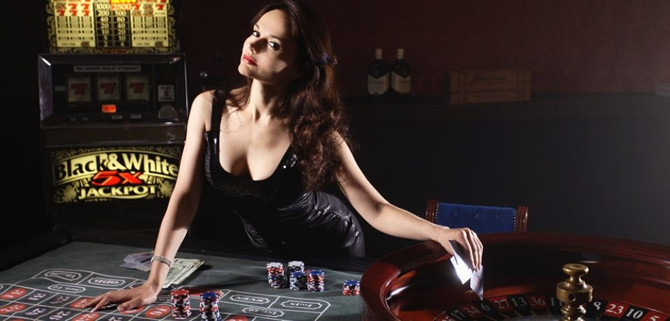 Register and play the online poker game into encrypted website