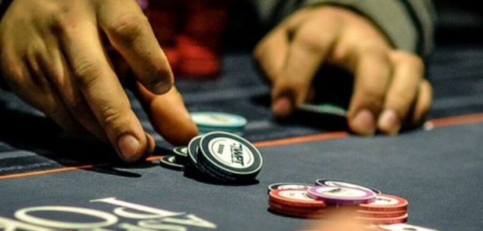 Play casino games and make money beyond your expectations