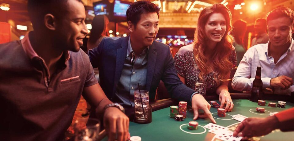 Know how a live casino works