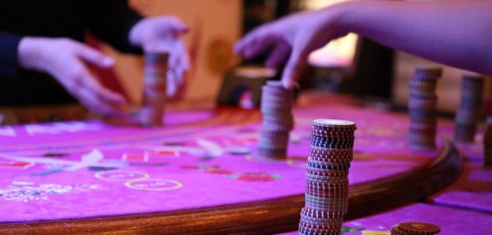 How to legally make bets through online betting agency