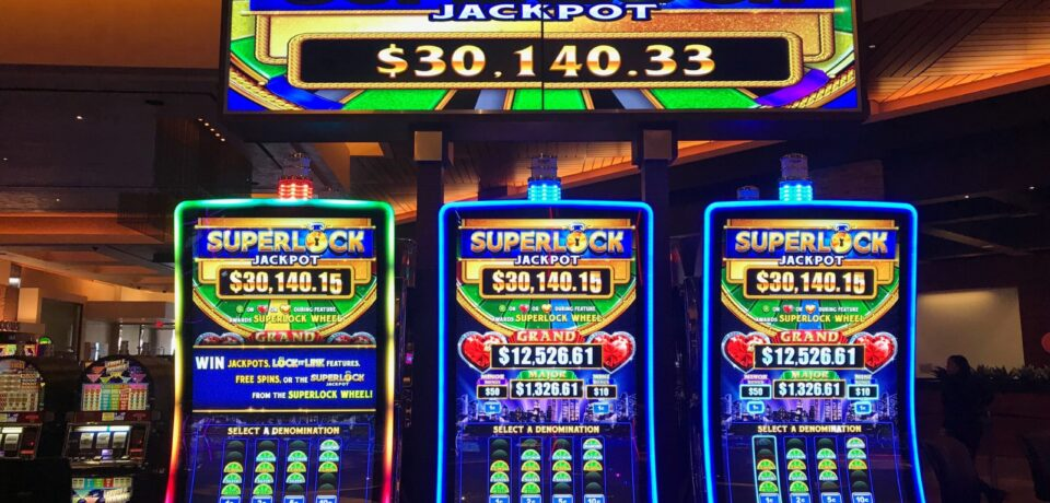 Advantages of register in online gambling