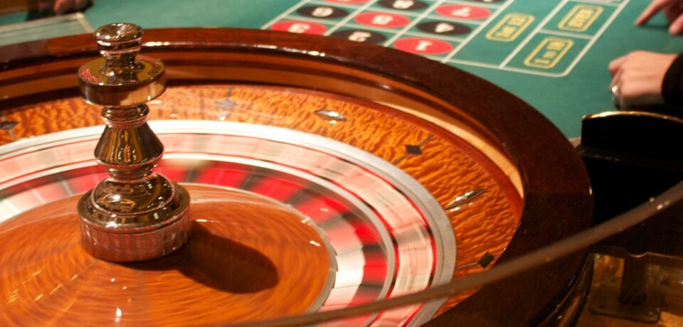 How to make more money from online casino?