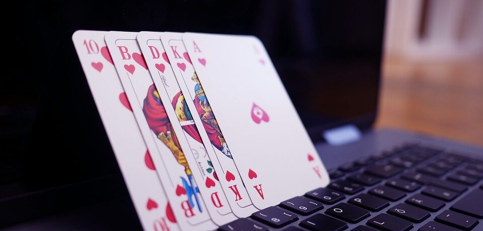 Easy Access to Entertainment at Online Casinos